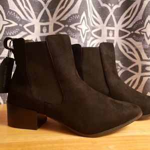 New 10w lane Bryant black booties